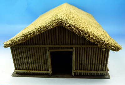 hut2.jpg